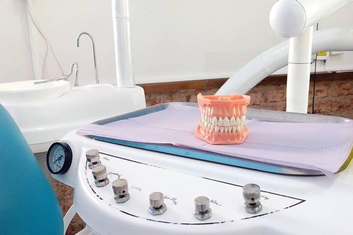 Veštačka zubna proteza